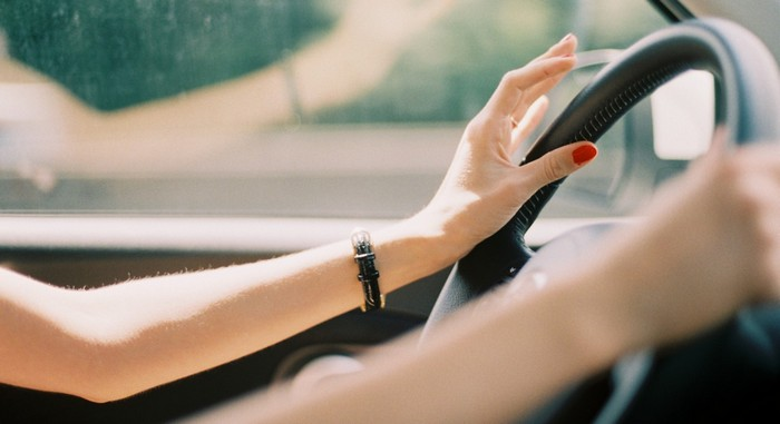 Žena vozi auto…Pa šta?